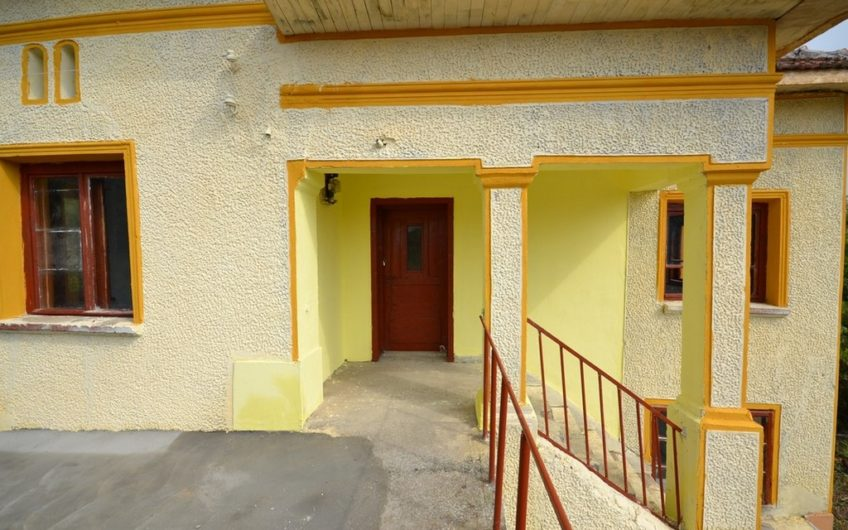 PERFECT TWO-STOREY HOUSE IN A LOVELY VILLAGE