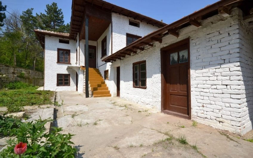 CHARMING 2-STOREY BULGARIAN PROPERTY IN PICTURESQUE VILLAGE
