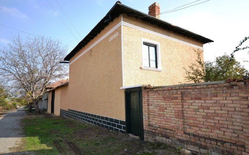 CHARMING 2-STOREY BULGARIAN COUNTRY HOUSE