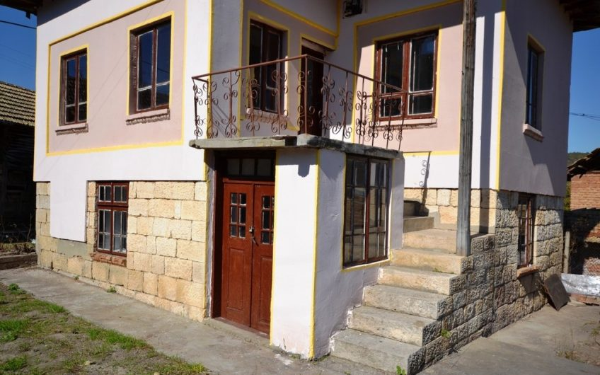 2-STOREY GREAT HOUSE IN THE VILLAGE OF KOSTANDENETS