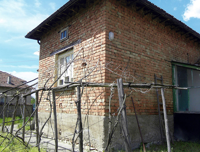 COMFORTABLE RURAL HOUSE IN THE VILLAGE OF MUSELIEVO