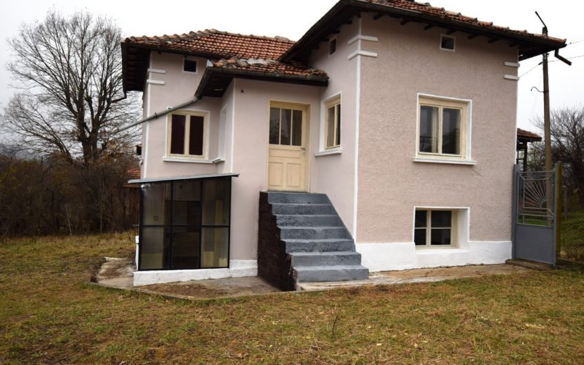 AMAZING 2-STOREY BULGARIAN PROPERTY