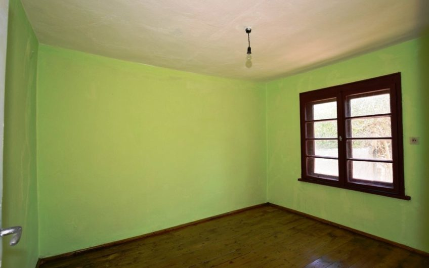 VERY GOOD 2-STOREY HOUSE IN GREAT AREA