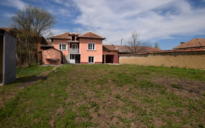 LOVELY RURAL 2-STOREY HOUSE IN THE VILLAGE OF KARAISEN