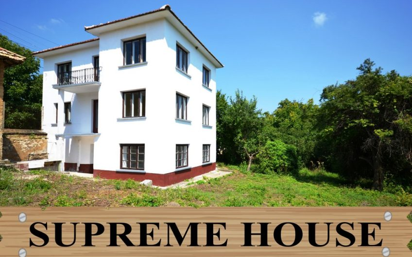 SUPREME 3-STOREY HOUSE IN GREAT VILLAGE