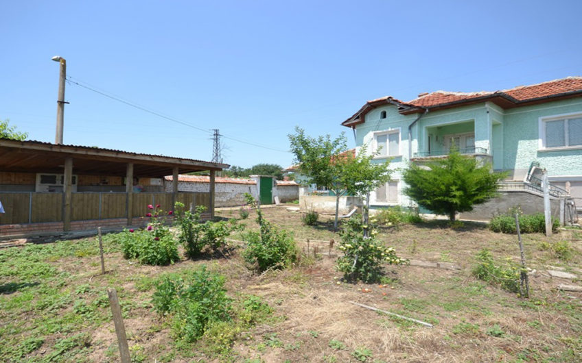 LOVELY HOUSE WITH SPACIOUS FRUIT GARDEN
