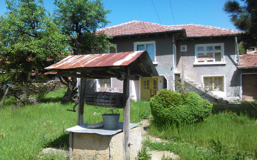 2-STOREY HOUSE IN THE VILLAGE OF GRADISHTE