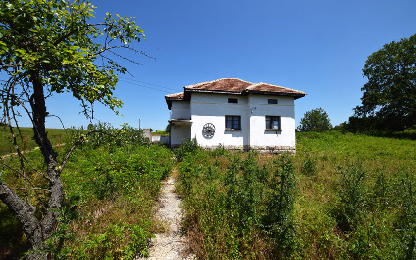 NICE 2-STOREY HOUSE IN PEACEFUL VILLAGE OF KARAN VARBOVKA