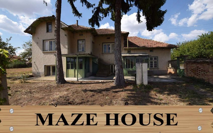 MAZE HOUSE!! AMAZING RURAL HOUSE!!