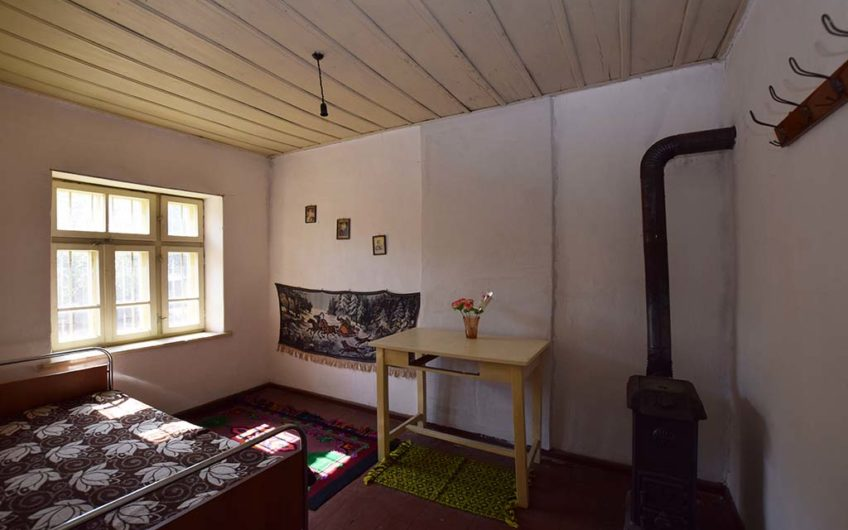 SPACIOUS PROPERTY IN THE VILLAGE OF VALCHITRAN