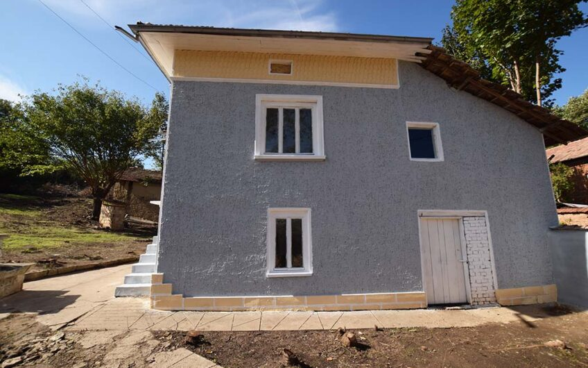 SUNNY AND SPACIOUS BULGARIAN PROPERTY!!