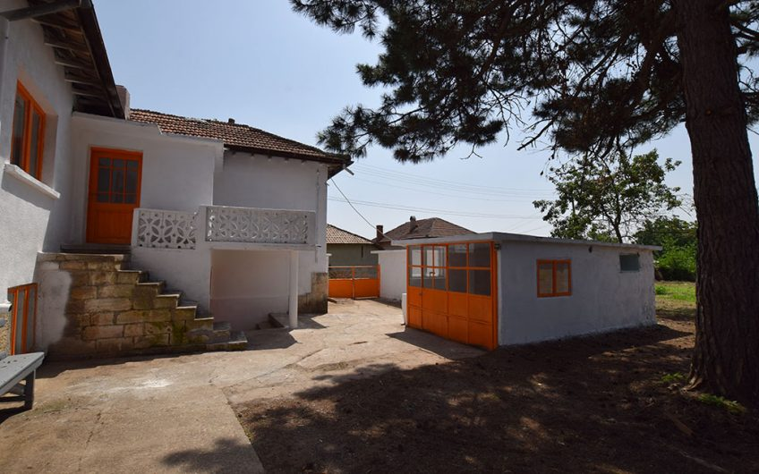 VERY ATTRACTIVE PROPERTY!! SUPERB LOCATION – NEAR THE DANUBE RIVER!!
